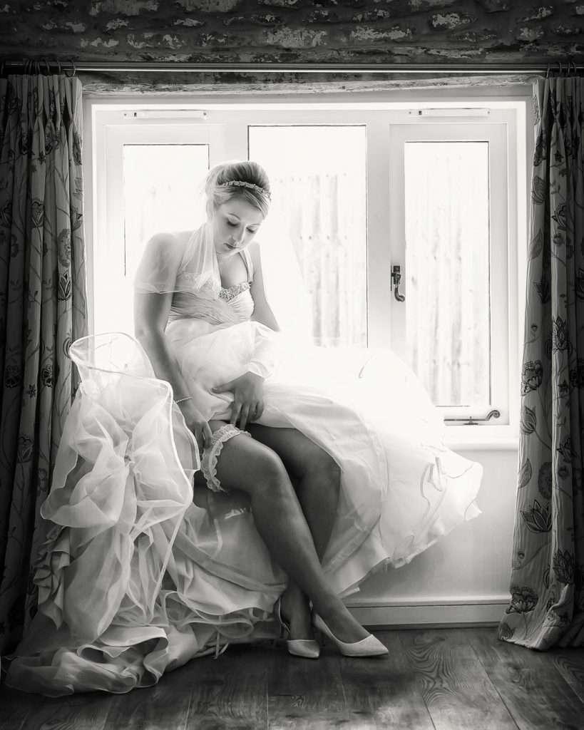 bride adjust garter
